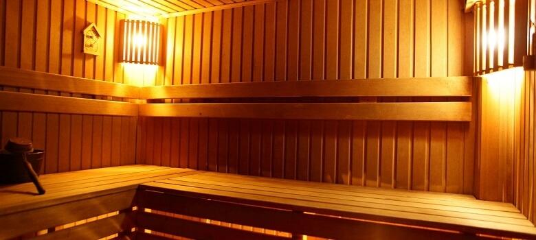 Leere Sauna von innen