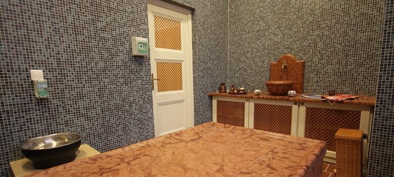 Behandlungsraum im Sankt Lukács Heilbad