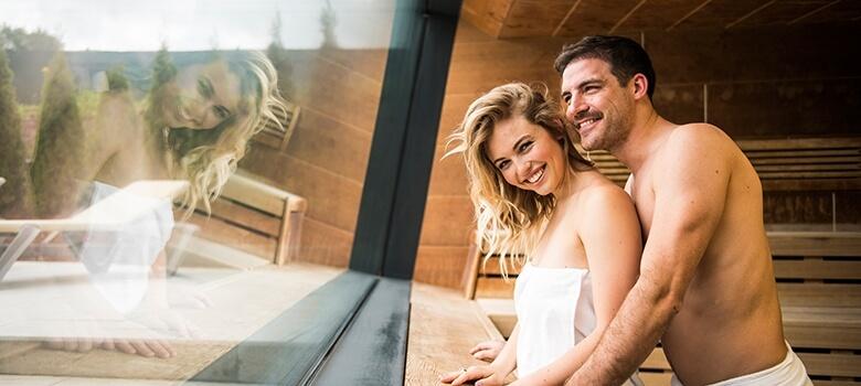 Paar in der Sauna - Therme Fohnsdorf
