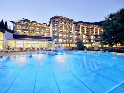 DAS RONACHER Therme & Spa Resort*****
